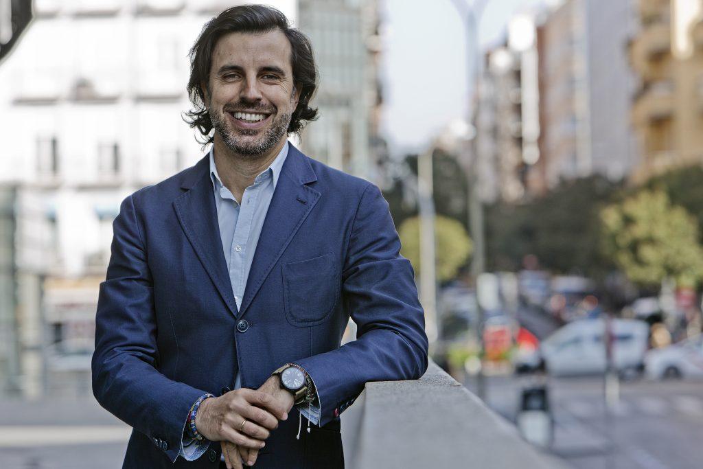 José María Esteban Ramos, es periodista y fundador de DReferencia, pero sobre todo, es un contador de historias.